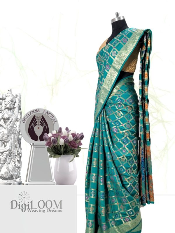 Handloom Patola Silk Saree in Turquoise Colour e