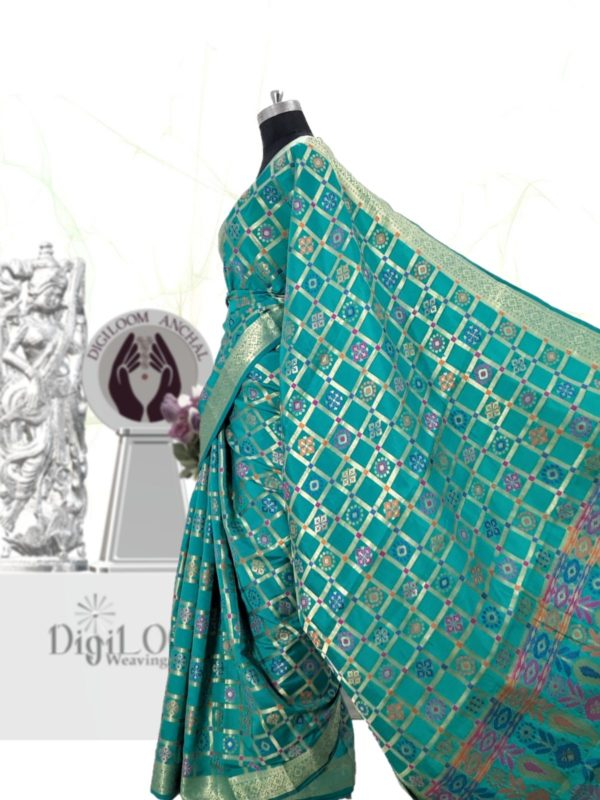 Handloom Patola Silk Saree in Turquoise Colour c