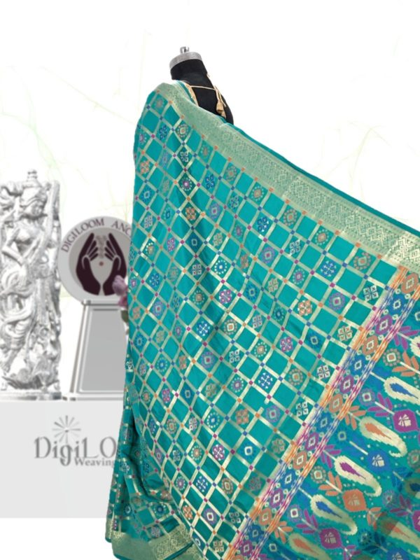 Handloom Patola Silk Saree in Turquoise Colour 2