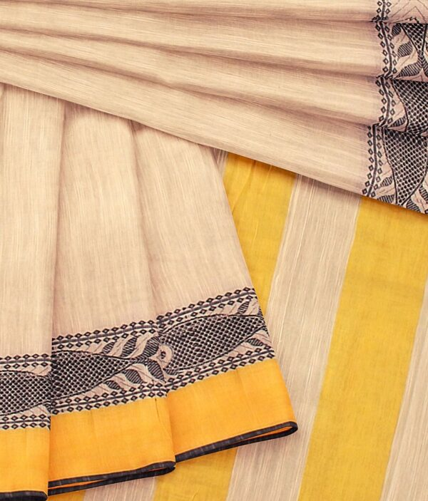 Digiloom Bengal Handloom Cotton Saree in Cream Colour with intricate fish motif 4