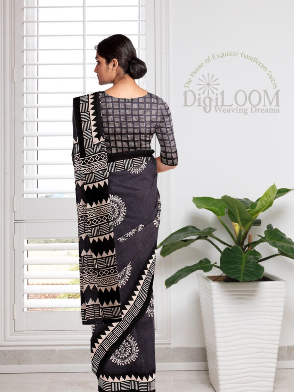 Grey Handloom Moonga Mulberry Silk Saree with Tribal Prints 3