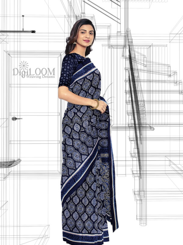 Handloom Moonga Mulberry Silk Saree in Indigo Colour with Traditional Motifs 5