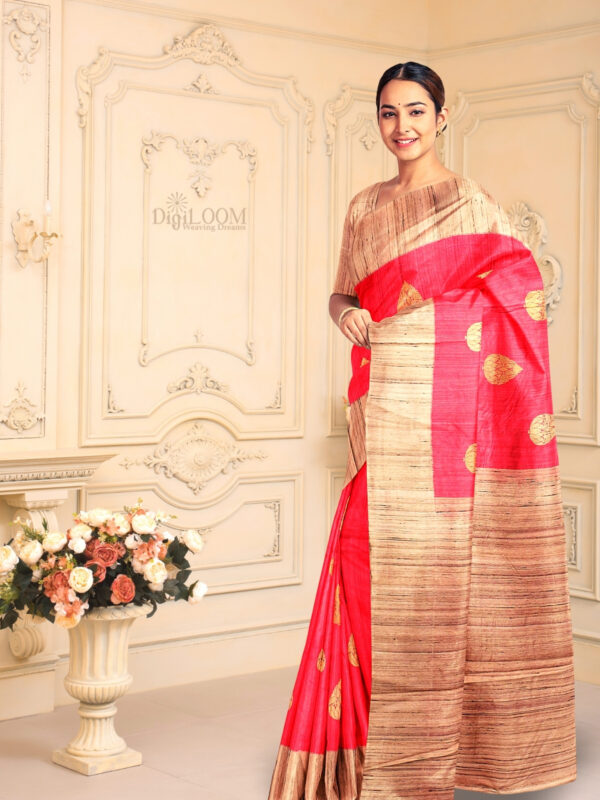 Hot Pink Pure Banarasi Handloom Silk Saree with Contrast Pallu 2