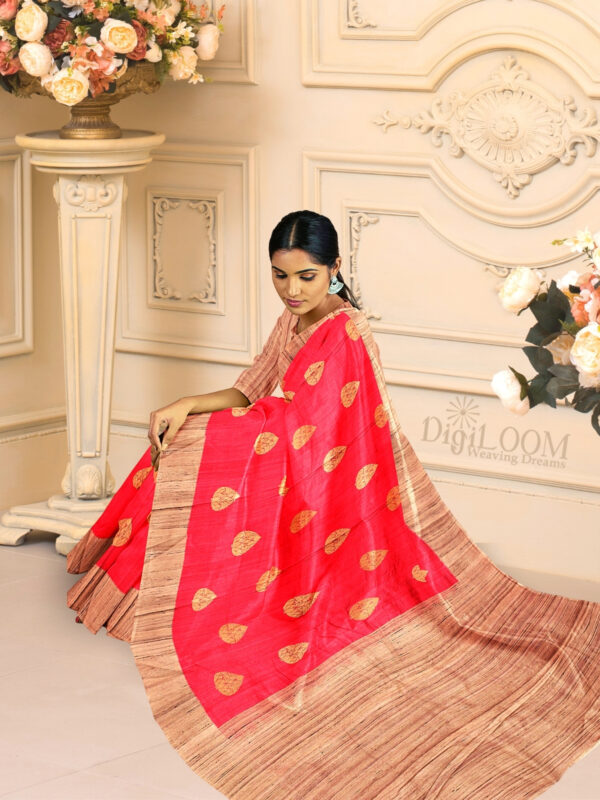 Hot Pink Pure Banarasi Handloom Silk Saree with Contrast Pallu 4